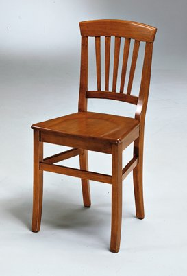 sedia arte povera seduta in legno