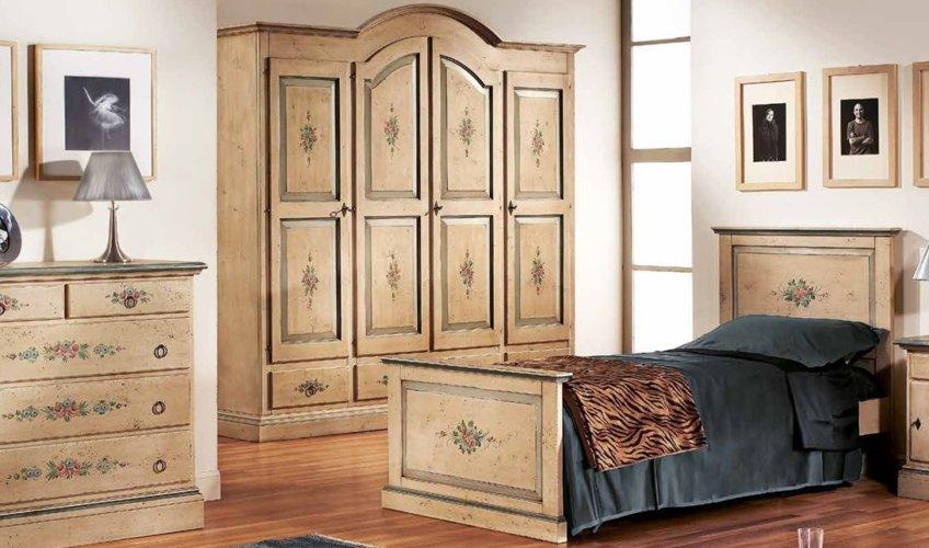 mobili dipinti divani torino
