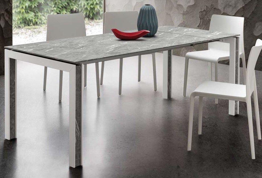 tavolo gambe in legno color bianco arredamenti divani torino