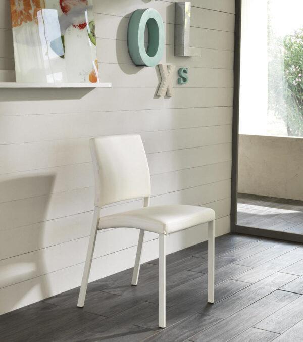 sedia sally bicanca sfondo mobilificio torino e rivoli