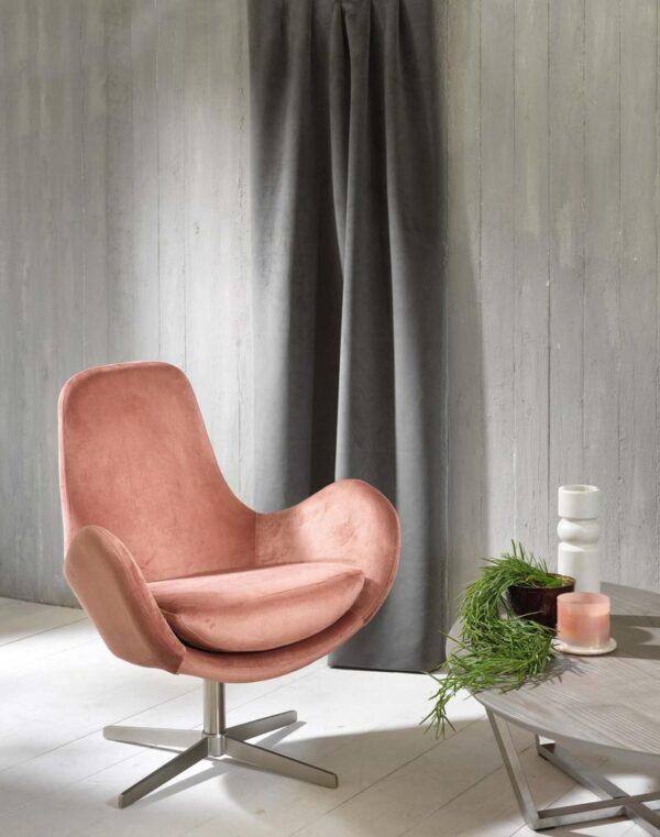 poltrona olga rosa sfondo mobilificio torino e rivoli