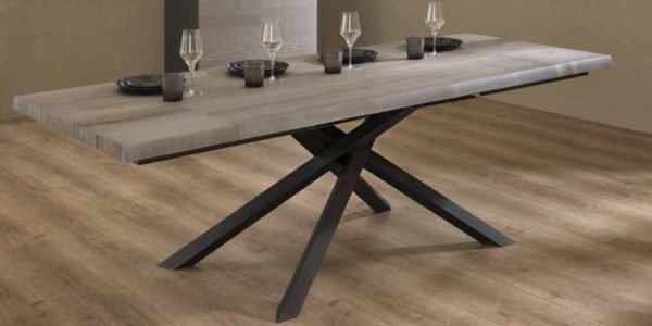 tavolo moderno allungabile legno e gambe in metallo mobilificio torino e rivoli