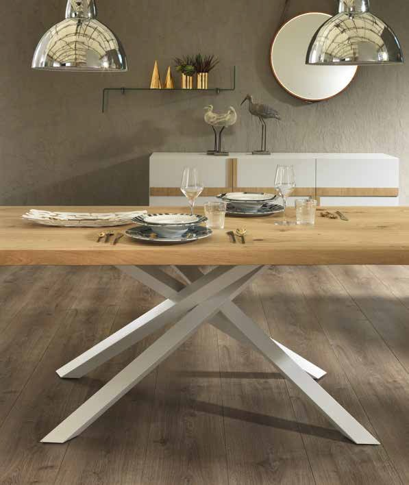 tavolo moderno spike gambe metallo bianche mobilificio torino e rivoli