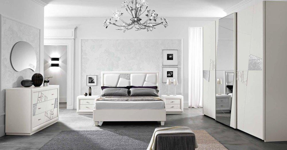 camera da letto ocn specchio, armadio, comò comodini mobilificio torino e rivoli
