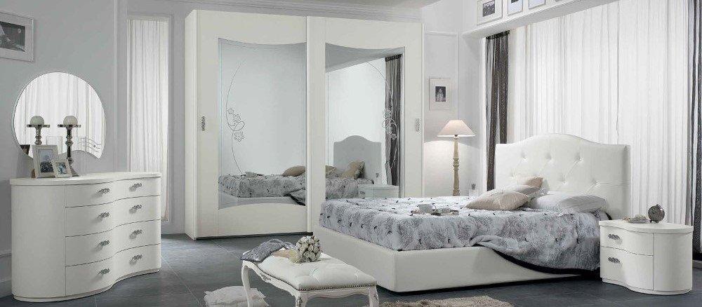 camera da letto con armadio, comò, comodino e panchetta mobilificio torino e rivoli