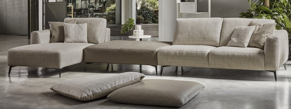 divano con chaise longue beige mobilificio torino e rivoli
